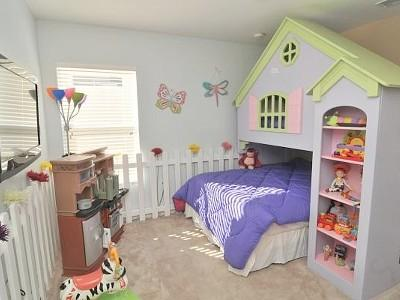 Dollshouse themed bedroom